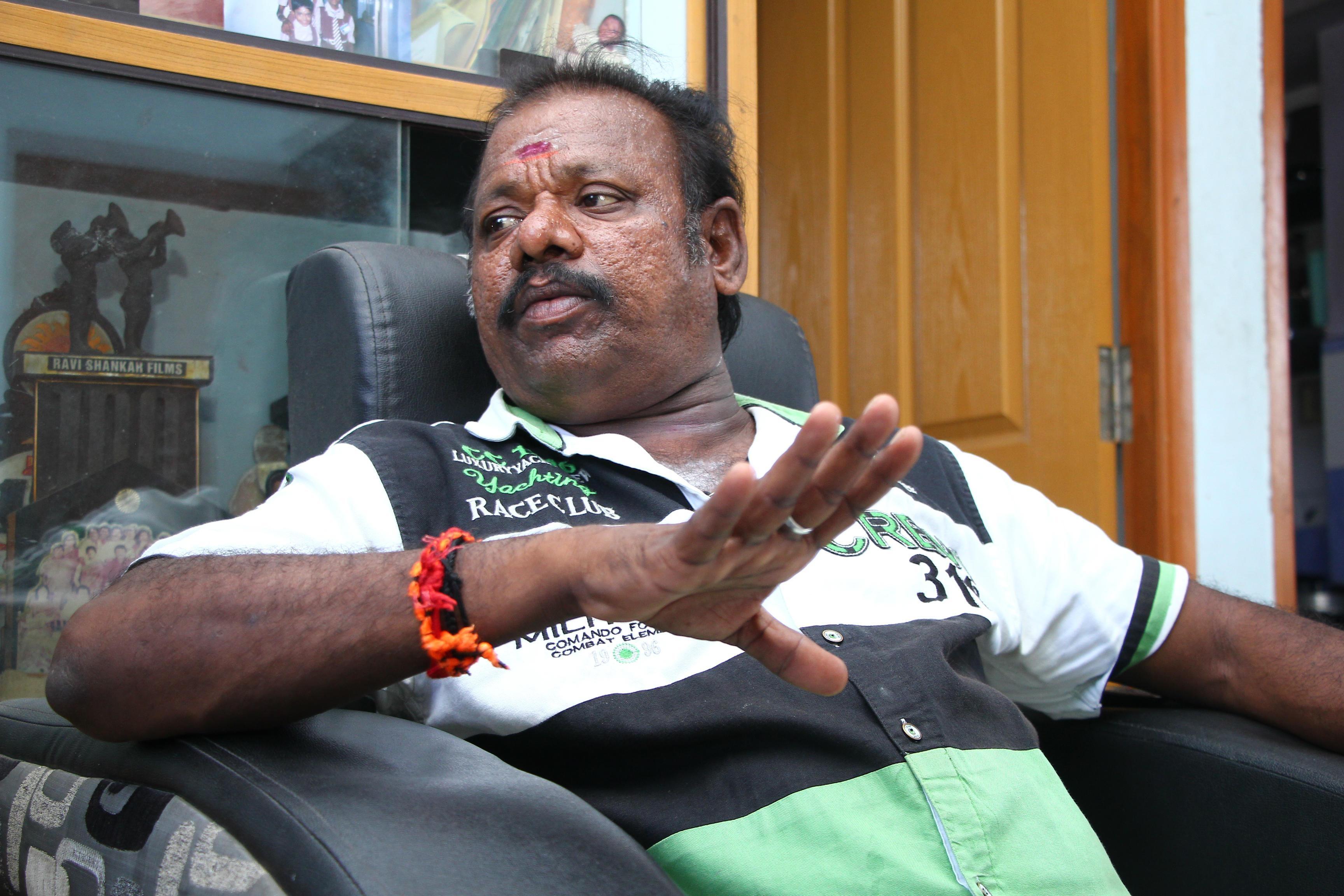 சிசர் மனோகர்