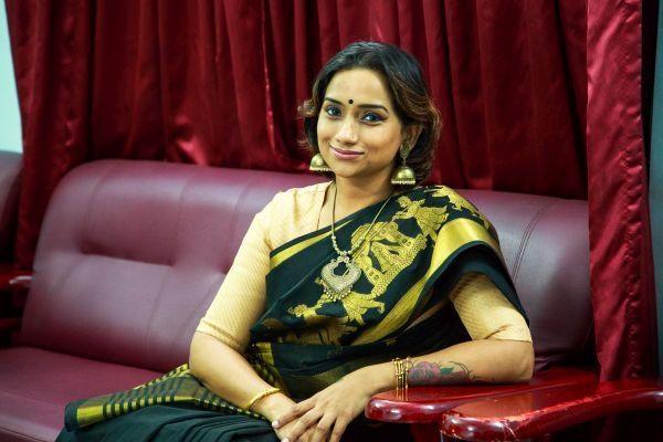சிங்கர் கல்பனா ராகவேந்தர்