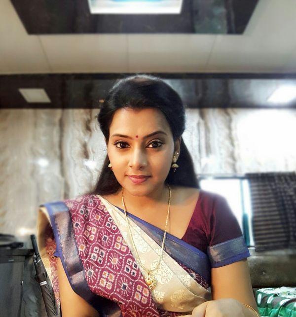நடிகை ஸ்ருதி ராஜ்