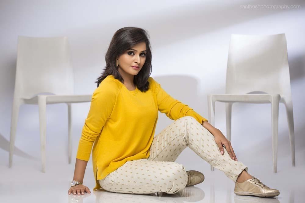 நடிகை பாவனாவின் தோழி நடிகை ரம்யா நம்பீசன்