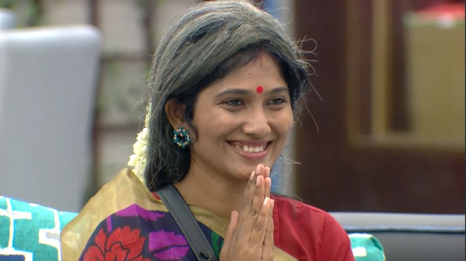 Julie laugh biggboss