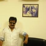 'அன்னிக்கே லிஃப்டுக்குள்ள பிக் பாஸ் நடத்துனேன்..!' - பாண்டியராஜன் கலகல #VikatanExclusive
