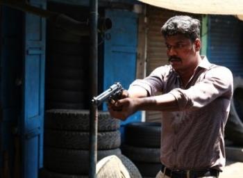 'விக்ரம் வேதா' வசனகர்த்தா இப்ப 'காலா'ல பிஸி! - பெர்சனல் பகிர்கிறார் வசனகர்த்தா மணிகண்டன்! #VikatanExclusive