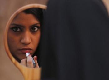 டியர் ஜெண்டில்மென்...பெண்களின் பாலியல் விருப்பங்களை நீங்கள் புரிந்துகொண்டிருக்கிறீர்களா? #LipstickUnderMyBurkha