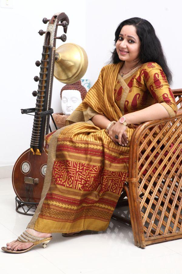 நடிகை சந்திரா லட்சுமணன்
