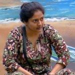 காதலை மிஸ் செய்கிறாரா காயத்ரி?!  - என்ன நடந்தது பிக் பாஸில்? (Day 54) #BiggBossTamilUpdate