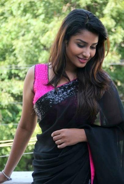 சீரியல் நடிகை ரேஷ்மா