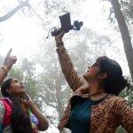 '' 'அடி வாடி திமிரா...' பாடலுக்காக ஜோதிகா என்னைக் கட்டிப்பிடித்துப் பாராட்டினார்..!'' - உமாதேவி