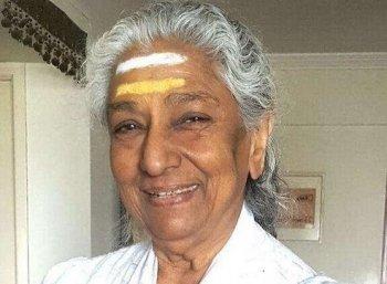 """""""இதுதான் உங்கள்  கடைசிக் கச்சேரியா?"""" - பாடகி எஸ்.ஜானகி பதில் #VikatanExclusive"""