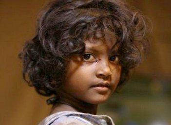 """""""குழிக்குள்ளே இறங்குறப்ப பயந்தேன். ஆனா, நயன்தாரா அக்கா...!"""" - 'அறம்' மகாலட்சுமி ஷேரிங்ஸ் #VikatanExclusive"""