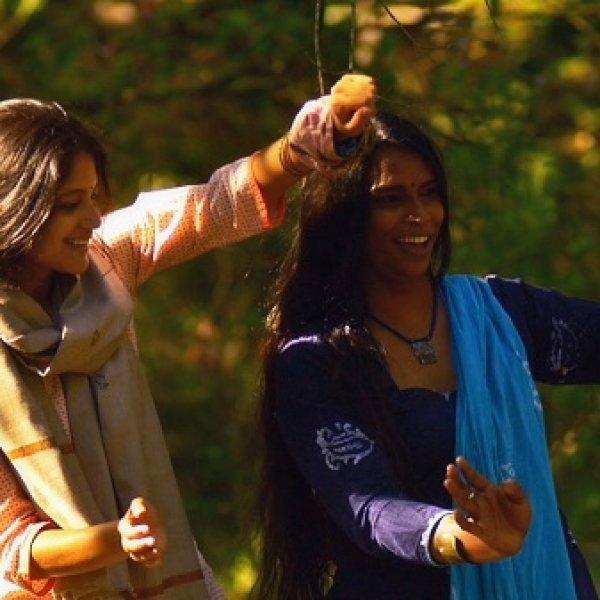 ``என் அம்மா, அப்பாவுக்கு நான் இப்போ எப்படி இருப்பேன்னுகூட தெரியாது..!'' - 'அருவி' எமிலி #VikatanExclusive