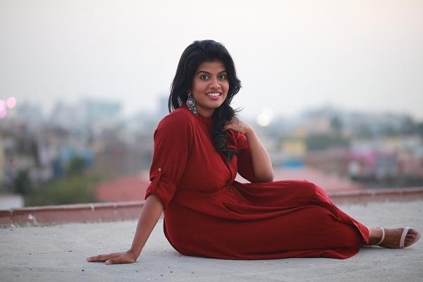 பாடகி ஸ்வாகதா