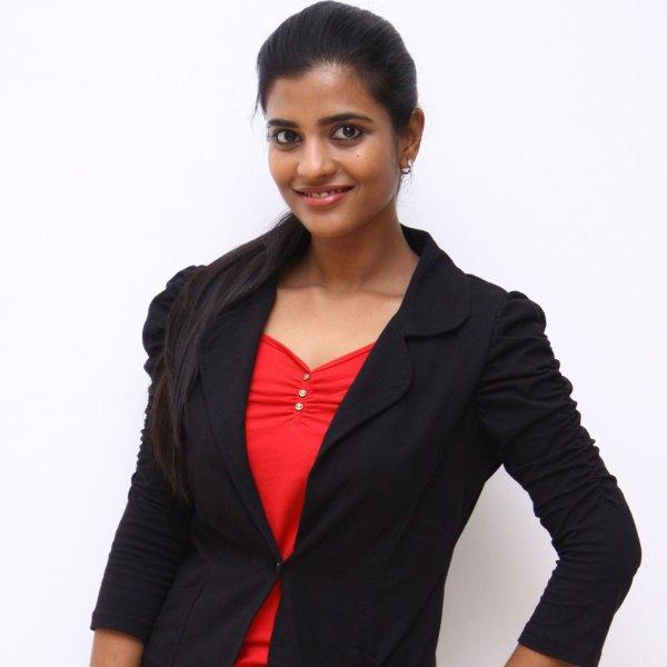 '' கலரைப் பார்க்காதீங்க; பொண்ணுங்க திறமையைப் பாருங்க!'' - நடிகை ஐஸ்வர்யா ராஜேஷ் #AcceptTheWaySheIs