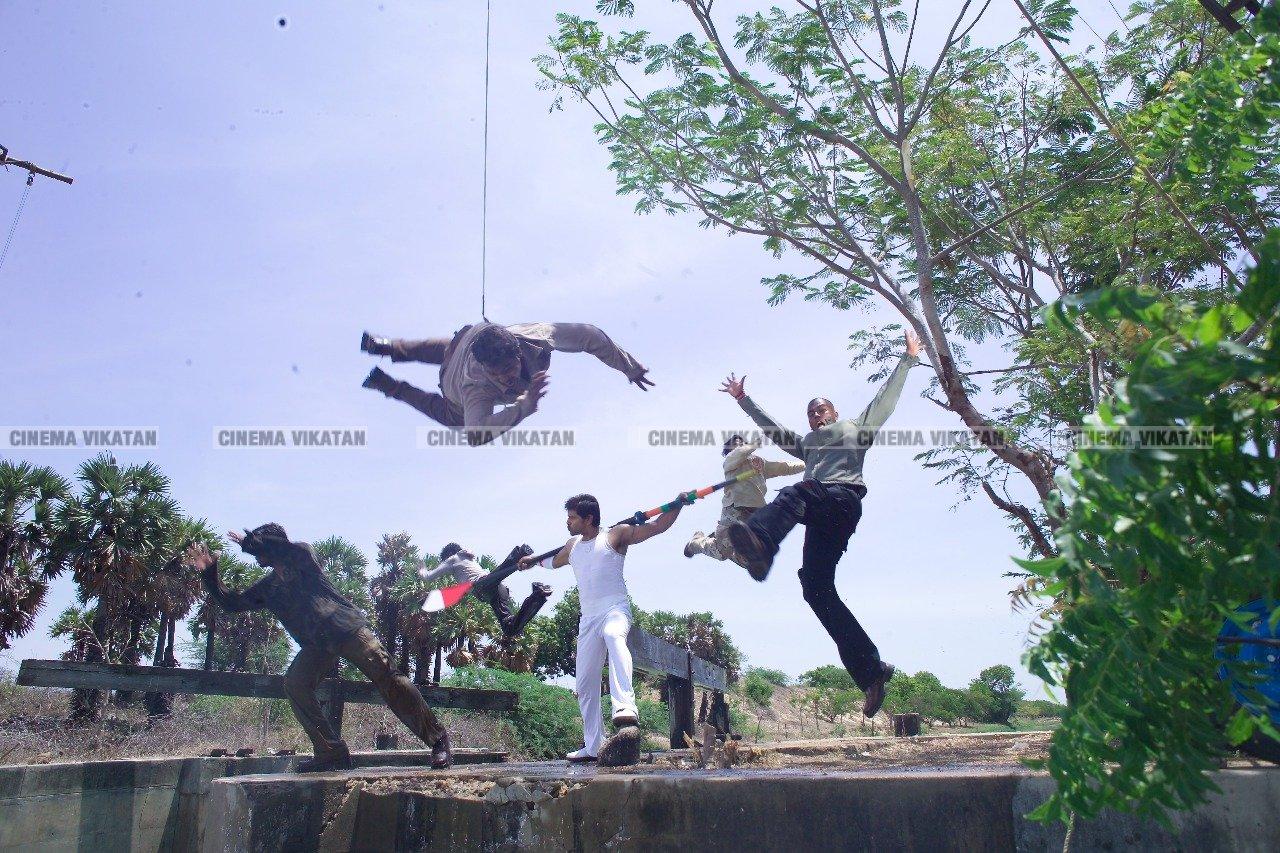 'கந்தசாமி' விக்ரம்