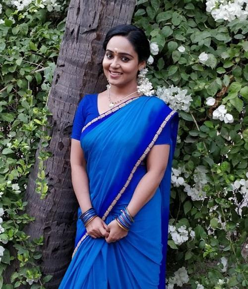 மீனு கார்த்திகா