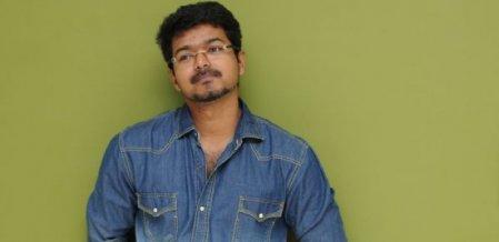 பெண்களுக்கு விஜய்யைப் பிடிக்க என்ன காரணம்?! #Vijay #Interactive class=