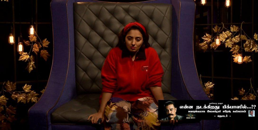 பிக்பாஸின் அண்டர் வாட்டர் ஆபரேஷன்... அண்டர் கவர் ஆபீஸர் மும்தாஜ்! #BiggBossTamil2