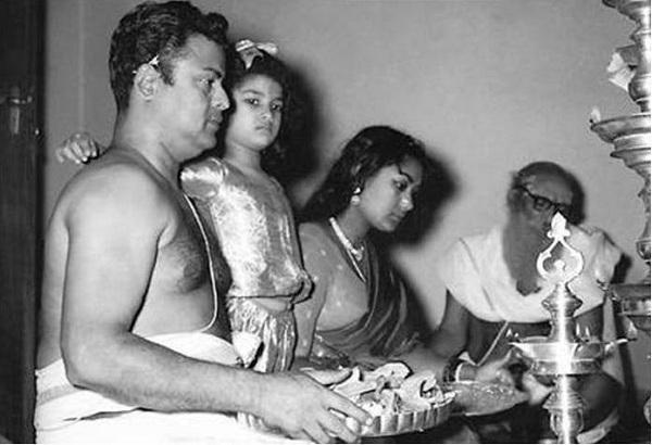 Gemini Ganesan Daughter Against Mahanati: ``அம்மாவும் நானும் சுவர் ஏறி மருதாணி பறிப்போம்