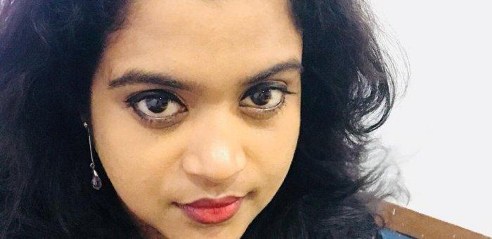 ''அப்பாவோட இறப்புல இறந்து மீள முடியலை..!''  மன அழுத்தத்தில் மைனா சூஸன் ஜார்ஜ்