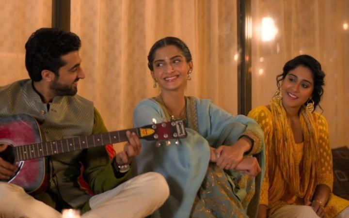 சோனம் கபூரி அஹூஜா - ரெஜினா கஸாண்ட்ரா