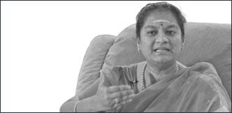 """""""அந்தக் கும்பல் சிரித்துக் கொண்டிருந்தது!"""" - தடாலடி சசிகலா புஷ்பா"""