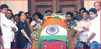 சசிகலா ராஜ்ஜியம் சரிந்த கதை!