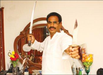 நடராச சாகசம்!