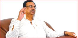 """""""கமல் தெளிவானவர்... ரஜினி குழப்பவாதி!"""" - இளங்கோவன் அதிரடி"""
