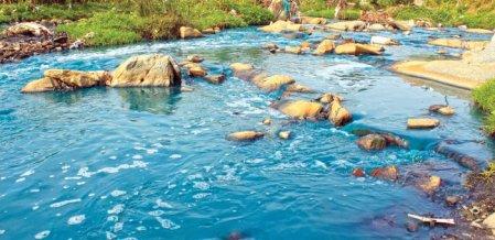 காவிரி ஆறு... ஈரோட்டில் இது கேன்சர் ஆறு!
