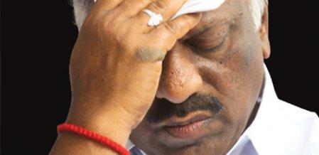 மிஸ்டர் கழுகு: டெல்லி க்ரீன் சிக்னல்... பறிபோகிறது பன்னீர் பதவி!