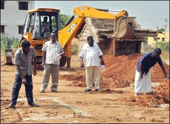 குறைக்கவில்லை... அதிகரித்திருக்கிறார்கள்... தமிழக அரசின் கைடுலைன் வேல்யூ மேஜிக்!