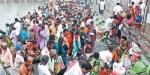 மகாளய அமாவாசை: ராமேஸ்வரத்தில் பக்தர்கள் புனித நீராடி முன்னோர்களுக்கு திதி!