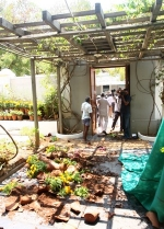 புதுச்சேரி அன்னை அரவிந்தர் ஆசிரமம் மீது தாக்குதல்