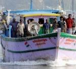 தமிழக மீனவர்கள் மீது மீண்டும் தாக்குதல் - தொடரும் இலங்கை கடற்படை அட்டூழியம்