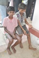 ராமநாதபுரம் அருகே 2 குழந்தை தொழிலாளர்கள் மீட்பு (படம்)