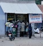 போதையில் டாஸ்மாக்கை சூறையாடிய சட்டக்கல்லூரி மாணவர்கள் 8 பேர் கைது