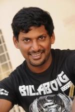 ஆக்ரோஷ அப்பா பாரதிராஜா...அதிரடி மகன் விஷால்: 'பாண்டியநாடு' படக்கதை!