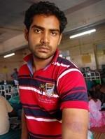 'மத்தாப்பூ' பட நாயகனை லத்தியால் அடித்த போலீஸ் அதிகாரி!