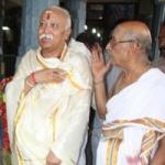 ஆர்.எஸ்.எஸ். தலைவர் மோகன் பகவத்  காஞ்சி சங்கராச்சாரியார்களுடன் சந்திப்பு!