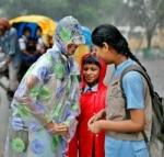 சென்னையில் தொடர் மழை: 4 மாவட்ட பள்ளிகளுக்கு விடுமுறை!