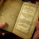 அமெரிக்காவில் முதன்முதலாக அச்சடிக்கப்பட்ட புத்தகம் 87 கோடிக்கு ஏலம்!