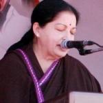 ஊழல், குடும்ப ஆட்சிக்கும் முற்றுப்புள்ளி வைக்க வேண்டும்: ஜெயலலிதா