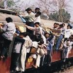 ஓசி பயணம்: ரூ.11 கோடி வசூல் செய்து மேற்கு ரயில்வே சாதனை!