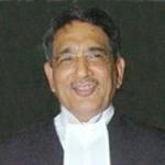 முதல் வகுப்பிலேயே பகவத் கீதை கற்றுக்கொடுக்க வேண்டும்: ஆர்.எம்.லோதா