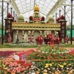 பெங்களூரில் பார்வையாளர்களை கவரும் சுதந்திரதின  மலர் கண்காட்சி!