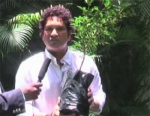 முதல் உலகப் போர் நினைவாக,  மரக்கன்றை நட்ட சச்சின் வீடியோ!
