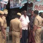 வருமான வரித்துறை அதிகாரிகள் போல நடித்து கொள்ளை: 4 பேர் கைது