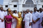 அ.தி.மு.க. தலைமையகத்தில் எம்.ஜி.ஆர் பிறந்தநாள் கொண்டாட்டம் - ஆல்பம்