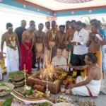 மனித சக்தியால் முடியல... ஆண்டவன் சக்தியை நம்பும் ரஜினி ரசிகர்கள்!