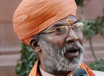 பா.ஜ.க. ஆட்சி நிறைவடைவதற்குள் ராமர் கோவில் கட்டப்படும்: சாக்ஷி மகாராஜ்